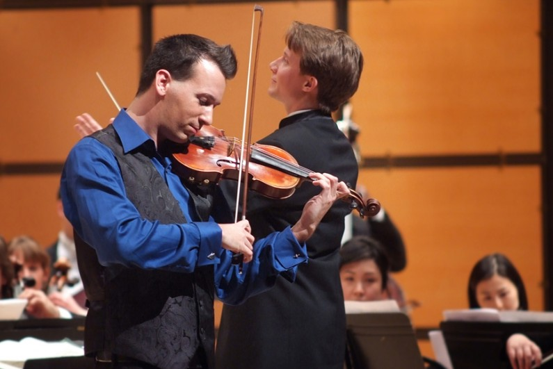 Scott Seaton with Andrew Sords and the Toronto Philharmonia Orchestra in January 2011